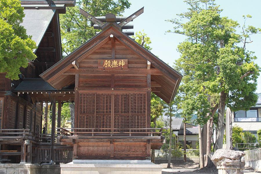 西根神社 神楽殿