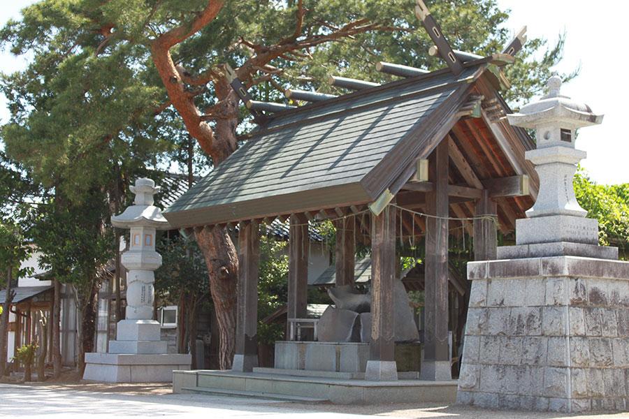 西根神社 手水舎